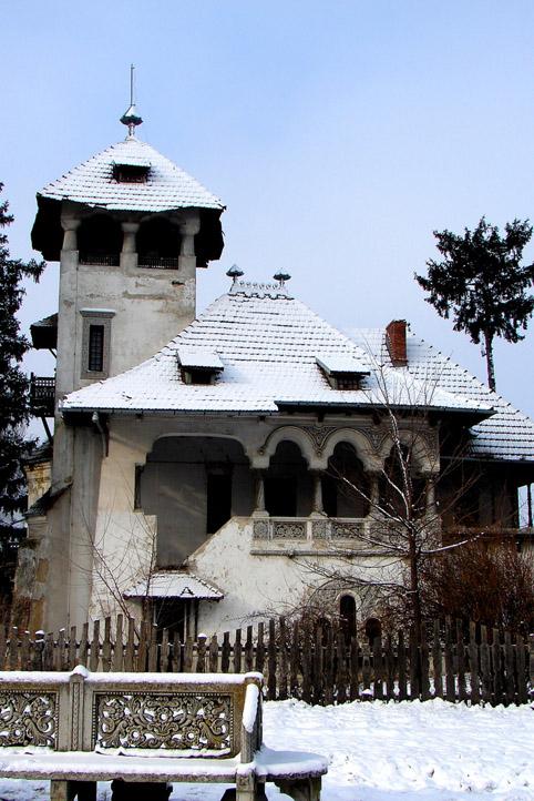 Stilul Arhitectural Neoromanesc: origini sievolutie