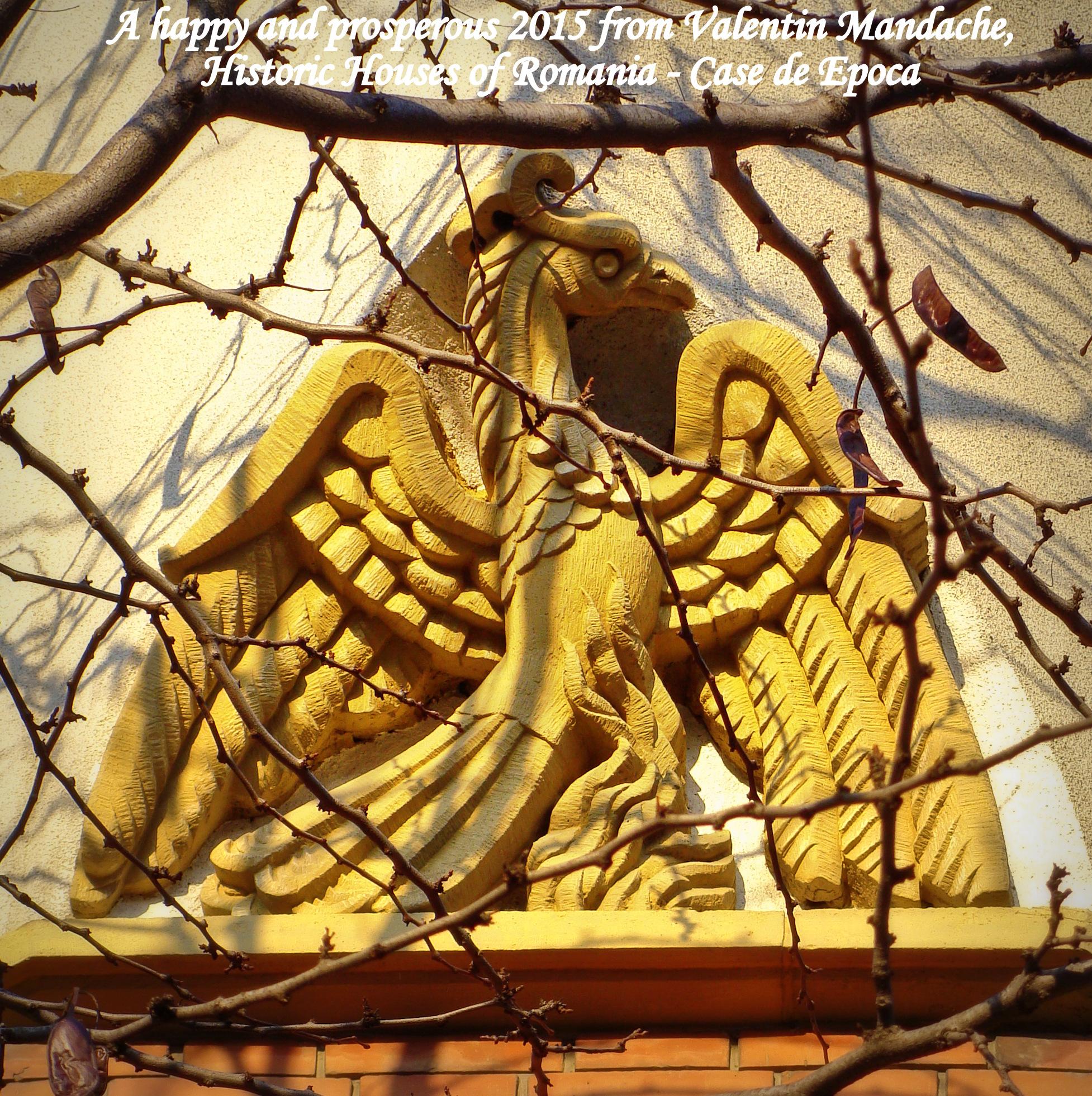 Pasarea Phoenix inaltandu-se din flacari, panou pe fatada de casa in stil neoromanesc tarziu, datand de la sfarsitul anilor 1930, zona Kiseleff, Bucuresti (©Valentin Mandache)